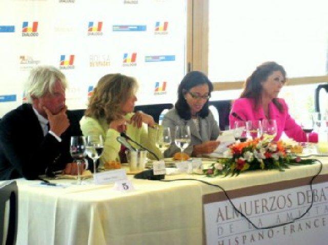 Almuerzo debate con Ana Botella Foro Mujeres 2011