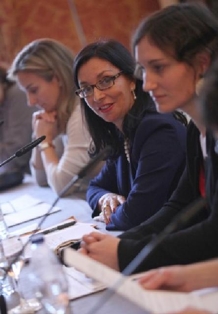 Mujeres y diplomacia (abril 2013)