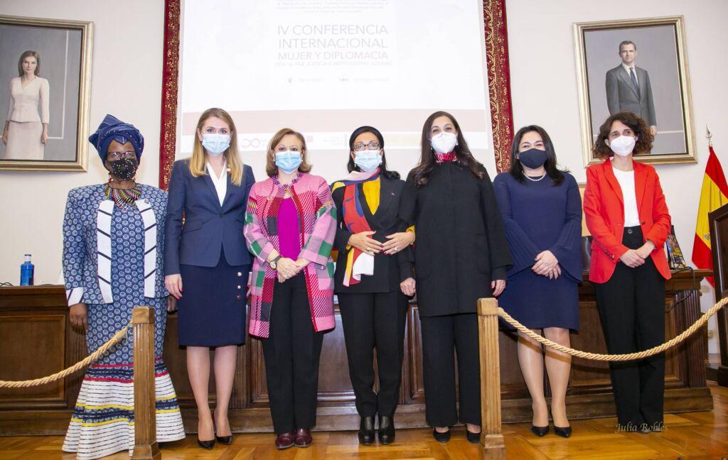"""IVª Conferencia Internacional """"Mujer y Diplomacia"""""""